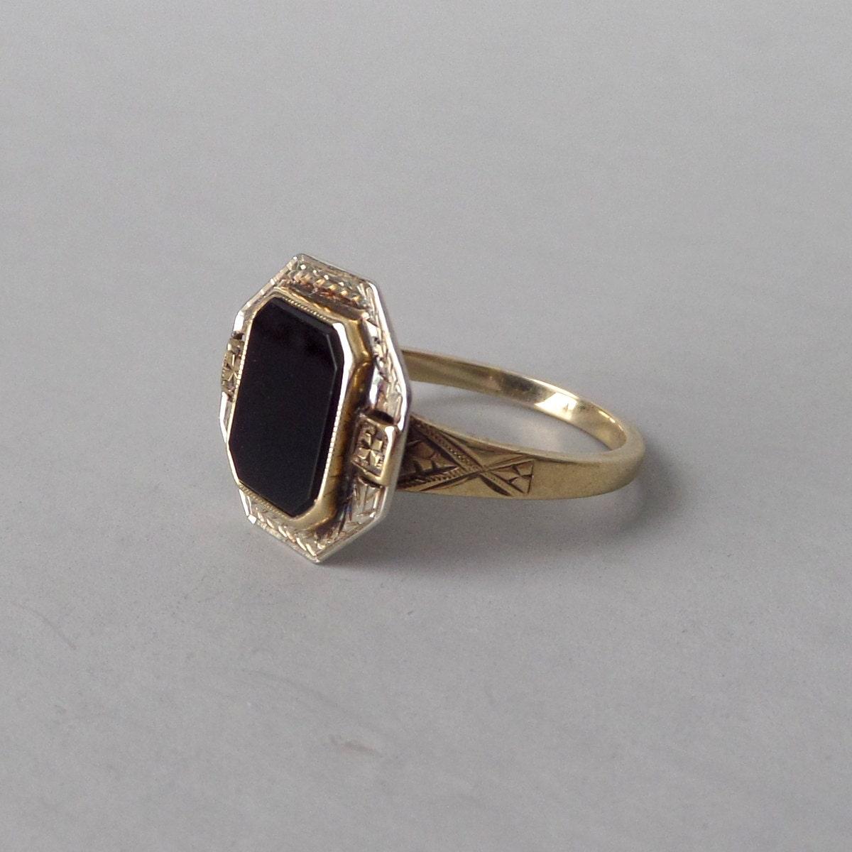 antique onyx ring deco white yellow gold