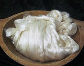 Bombyx Mulberry Silk Roving White - 2 Ounces