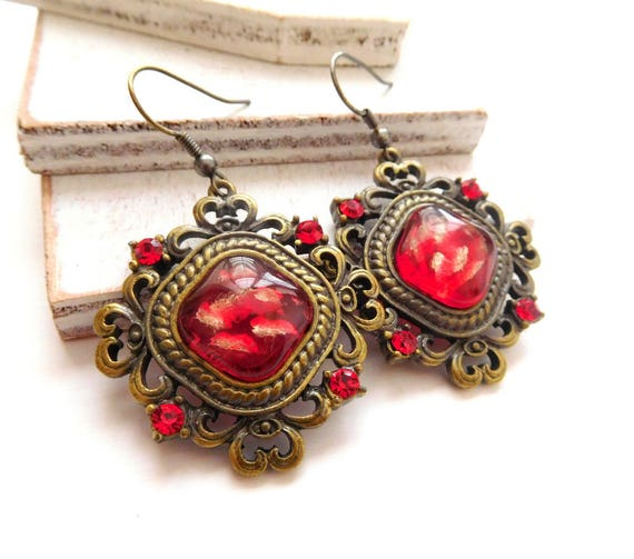 Vintage Antiqued Red Rhinestone Glass Center Victorian Style Dangle Earrings S23