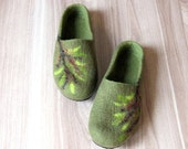 Women wool clogs - house shoes - felted wool slippers - Christmas gift - olive green with tree decor