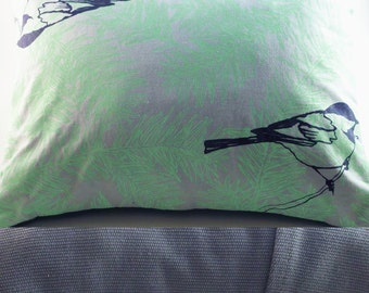 "15""x11"" Balsam fir pillow ""CHICKADEES"" / Coussin aromatique au sapin baumier ""MÉSANGES"""
