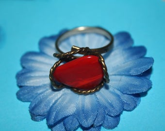 Red agate gemstone ring with flexible band, sizes 5 to 8