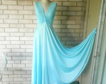 Vintage Sky Blue Olga Twist Top Nightgown Size Medium Style 9692