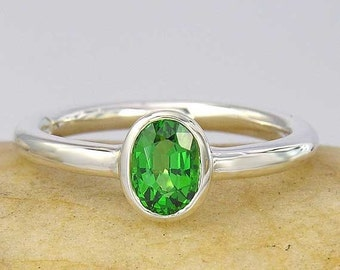 SALE 2 days only 14K White or yellow Gold 1ct Tsavorite Green Garnet Solitaire Ring, In your ring size