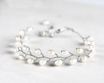 693_Silver pearl bracelet, Natural white pearl bracelet, Bridal freshwater pearls bracelet, Ivory pearls silver bracelet, Wedding jewelry