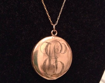 Antique W & H, Wightman and Hough Co. Circle Locket  1920, Gold Filled