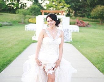 White Lace Garter Set, Wedding Garter Set, Flower Garter Set, Pearls and Sequins Garter, Bridal Garter, White Flower Lace Bridal Garter Set