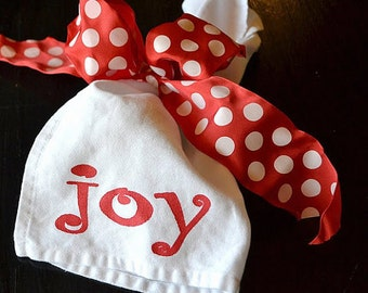 Christmas jOY Napkins Screen Printed on White Cloth Napkins  ... SET of FOUR