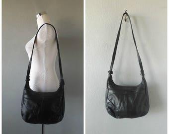 slouchy black leather hobo bag | vintage 80s crossbody handbag zipper pockets medium size hippie boho tote bag purse basic minimal 1980s bag