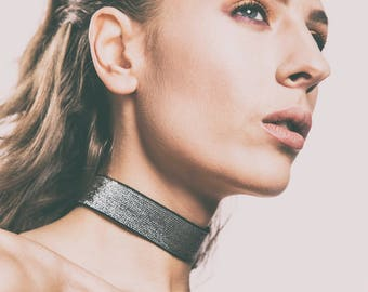 Metallic Choker in Silver or Gold - Stylish, Fashion, Trendy Necklace in Stretchy Sparkly Material - For Little Black Dress, Clubbing, Prom