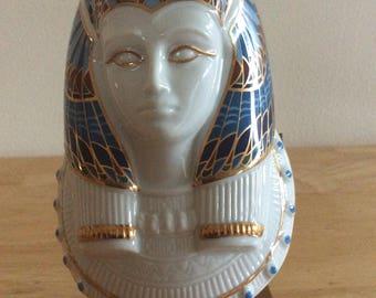 Treasures of the THE Pharoah  Queen  Nefertiti  Porcelain Bust