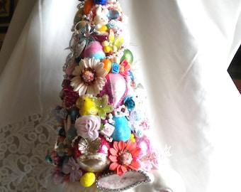 Pink Easter Decoration Vintage Lefton china Rabbit Planter Bottlebrush Sisal Tree Vintage Rhinestone Jewelry Vintage Ornaments