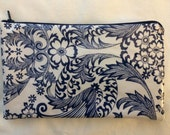 "NEW Retro Large 5""x9"" Blue Floral and White Oilcloth Makeup Cosmetic Zipper Pouch Clutch Wet Bag Pencil Case"