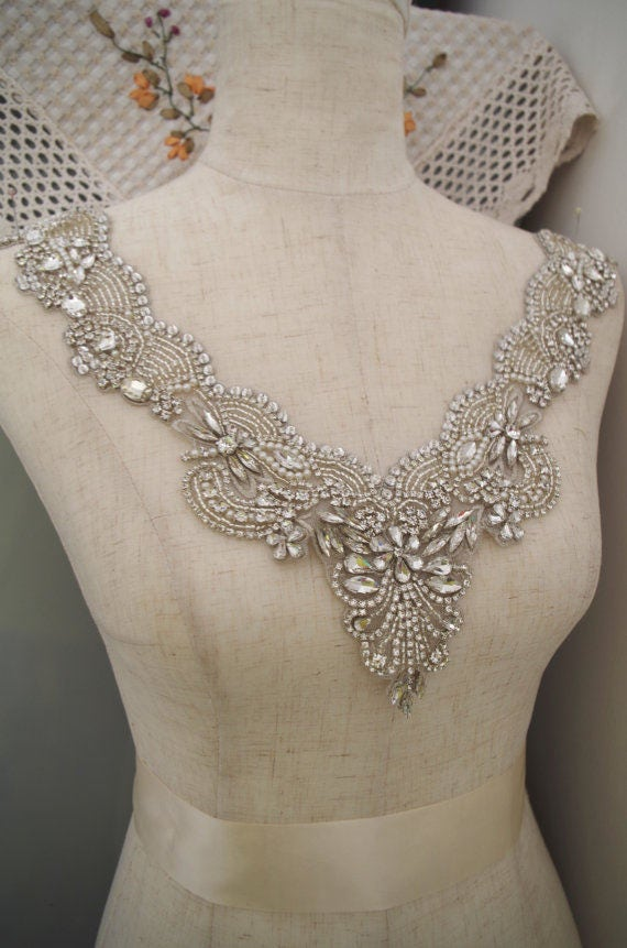 Rhinestone bridal neckline applique for bridal dress for Wedding dress appliques suppliers