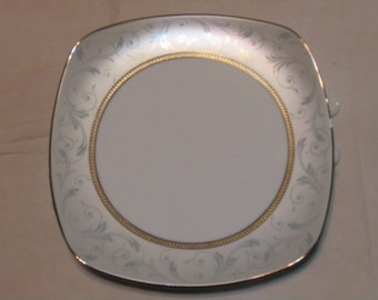 Legendary by Noritake  luncheon plates Grey and platinum