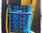 Vintage barkcloth fabric mini messenger bag - blue daisy
