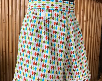 50s Style High Waisted Harlequin Shorts Size Small