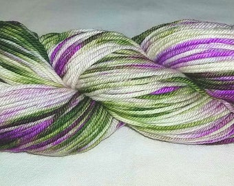 "Hand dyed Worsted yarn ""MN Vineyard"""