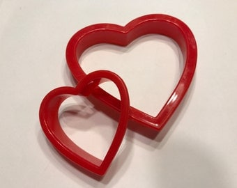 set of 2 different size heart cookie cutters,  60 and 100 mm  (R8)