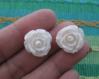 Excellent quality  16 mm hand carved Exotic Flower , Natural BONE cabochon, Jewelry making Supplies B5815
