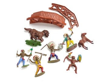 Vintage Plastic Indians, Hand Painted Indians, Native Americans, Cowboys and Indians, Toy Indians, Plastic Toys, Hong Kong, Epsteam