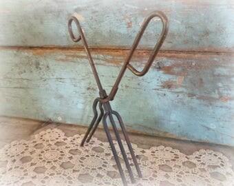 antique curling iron / 1900's curling iron / hair curler / vintage hair salon / salon decor / marcel wave / primitive curling iron