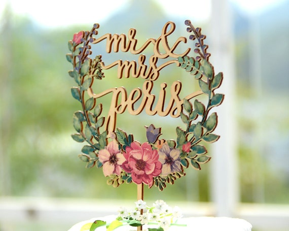 Personalized Wedding Cake Topper, Custom Linden Wood Mr and Mrs Cake Topper with flower Wreath, Cake Topper Personalized with YOUR Name #149