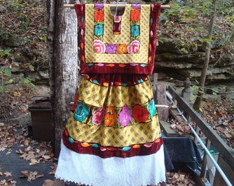 Maroon Velvet Floral Tehuantepec traje