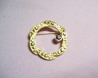 vintage circle brooch pin