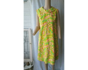 1960s Mod Shift Dress with Cute Collar