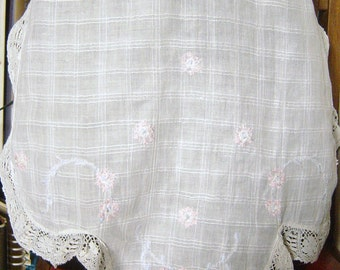 Sweet Vintage White Embroidered Pinny or Apron 1950's or 1960's Lace Edged