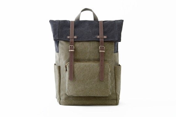 CITYCARRY Laptop Backpack / Green Canvas