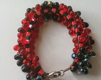 Black and Red Glass Bubble Bracelet
