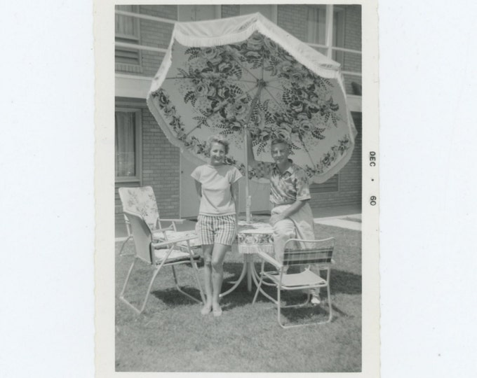 Vintage Snapshot Photo: Patio Set, 1960 (611523)