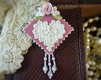 Brooch Lace Heart Pin