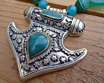 Crystal necklace. Jade Crystal necklace-  Semi precious necklace. Handmade Jade Necklace. Beaded green jade necklace. Bead Necklace.