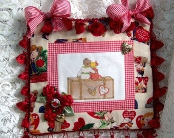 Valentine's Day Door Hanger, Vintage Valentine's Day card image, Knob hanger, Hearts, Decorative, Red
