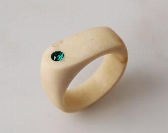 Antler ring, Size 7,5 US, Antler rings, Antler jewelry, Swarovski ring, Emerald ring, Green ring, Green jewelry, Emerald green, Bone ring