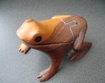 Vintage Wooden Frog Memo Holder