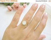 CHRISTMAS SALE - Gold opal ring - gold ring with white opal crystal - vintage ring - bridal jewelry - opal ring - opal ring gold, vintage op