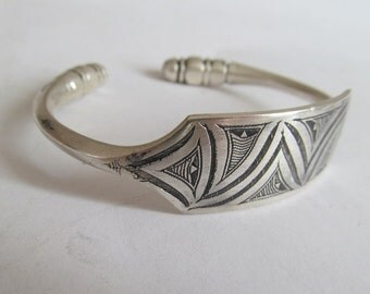 Silver Bangle Africa Tuaregs Touareg Sterling men tribal jewelry Morocco Niger ethnic ethnic ethnic bracelet Egypt Turkey Asia India