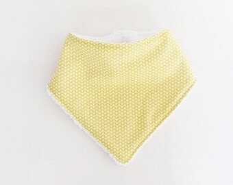 0/6 months baby BANDANA bib fabric zig - zag pale yellow and white sponge