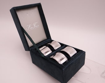 Set of Four Godinger Silverplate Napkin Rings in Presentation Box - Beautiful Silver Napkin Ring - Godinger Tableware  - Elegant Gift