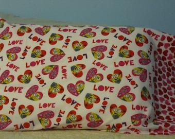 Minion in a Heart/Pillowcase/Hearts cuff