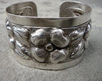 Taxco Silver, Taxco Bracelet Cuff, Sanborns Sterling Cuff, Mexican Silver Jewelry, Floral Bracelet, Taxco Bracelet Cuff, Vintage Mexican
