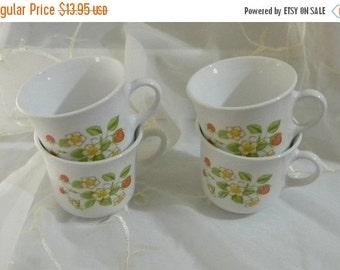 Half Off Sale Vintage Pyrex Corelle Strawberry Sundae White Cups, Mugs Set of 4 1970s