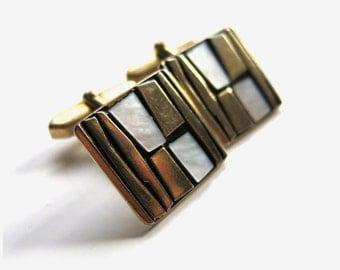 Vintage cufflinks /  Mid Century Design | Mother of Pearl Cufflinks