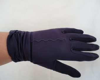Vintage Deep Purple Nylon Wrist Gloves with Ruched Cuff Design - 1960s - Size UK 6.5 to 7 - Wedding/Prom/Burlesque/Goodwood