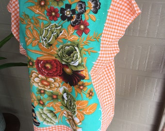 Basic vintage fabric tablecloth Tea top Cotton Stunning Ladies recycled top Size 14-16 Tea Style handmade