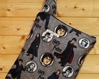 Cloth Diaper Wetbag, Harry Potter, Diaper Pail Liner, Diaper Bag, Day Care Size, Holds 5 Diapers, Size Medium with Handle item #M117